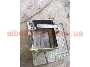 Корпус аккумулятора Fiat Doblo