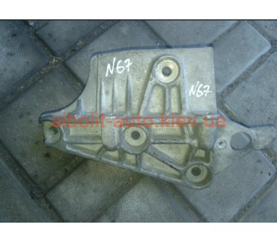 Кронштейн двигателя Кенго 1998 - 2008