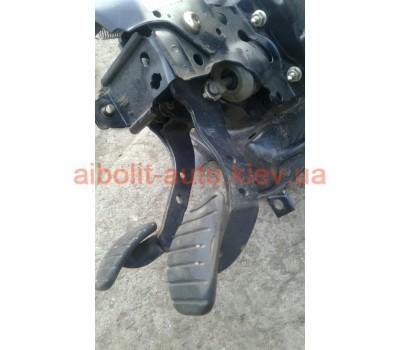 Педаль сцепления Кенго 1998 - 2008