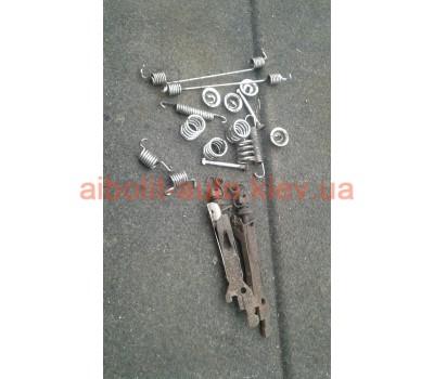 Механизм троса ручника Кенго 1998 - 2008