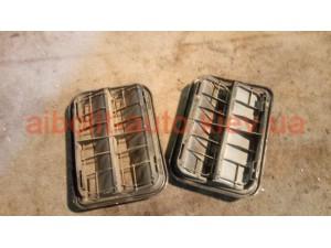 Вент.решетка багажника Меган 3